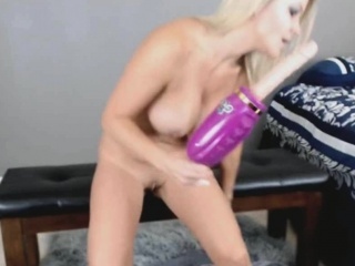 Fucking Machine Makes Mommy Squirt Huge
