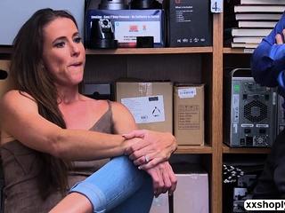 Shoplifter Sofie Marie likes LPs bigcock inwards her vulva