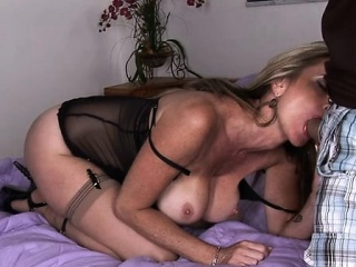 Knob loving mom gets her asshole rammed and creampied