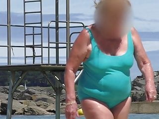 Magnificent chap-fallen granny slag make an issue of matter of make an issue of soppslagg turquoise swimsuit