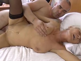 Blondie granny nearly get under one's offscouringsn
