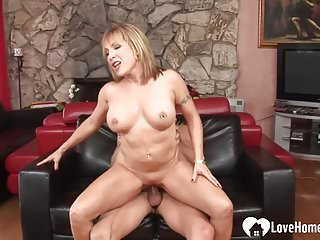 Hungry thirty porked when her husband isn t home.mp4