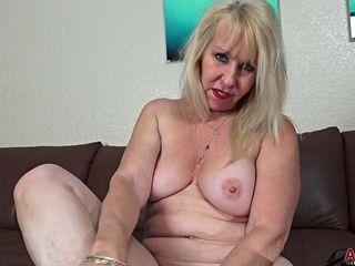 59 y.o. Sandy Pierce cougar delight