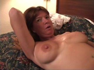 Dee Delmar motel fun - bi-racial hook-up