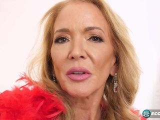 Chesty mature grandma Sierra Fontaine uses ass-fuck fucktoys - getting off