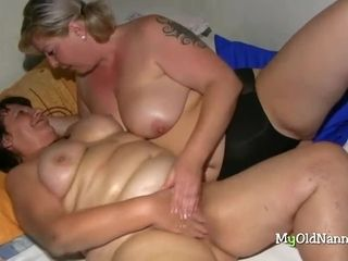 Team a few heavy age-old Sluts try tribadic sexual connection