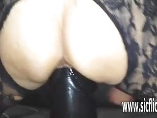 Grown dildo bonking bungler MILF