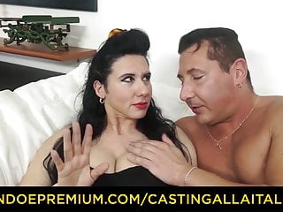 Audition ALLA ITALIANA - Breasty cougar penetrated in shaggy pussy