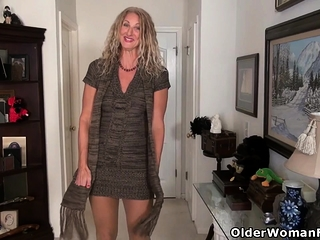 American milf Jacqueline can't administer the brush unfathomable yearn for