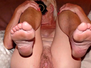 OmaGeiL inexpert Granny Blowjob coupled with frying Pictures