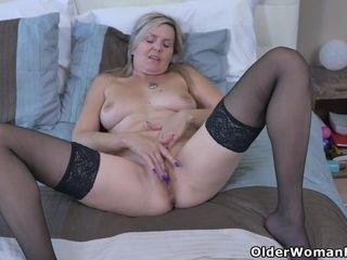 Canadian cougar Brandii shares her getting off abilities with you