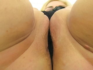 Sloppy mature mommy with saggy milk cans and greedy twat