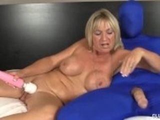 """Milf luvs clipping snatch milking phat Cocks"""