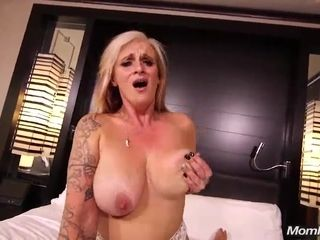 Voluptuous Granny Gives Me Heart-Stopping bedraggled Blowjob