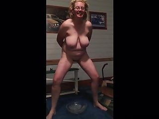 Jacqueline horripilate Aus Pissing