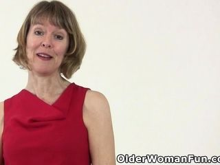 American milf Dee Williams fingers say no to vitalized pussy