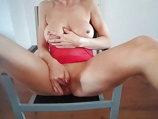 DUtch mommy cougar lisa fapping six
