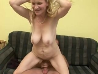 Wifey light-haired mom Had romp On The bed
