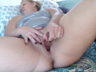 Sizzling Milf Fucks herelf w/ wet one's whistle knick-knack & Squirts