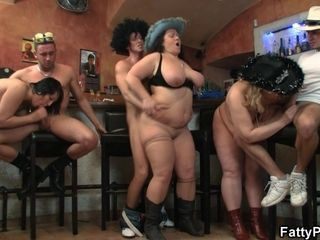 Obese hoes romp Orgy