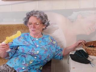 OmaHoteL Mature and grandmother playing Slideshow
