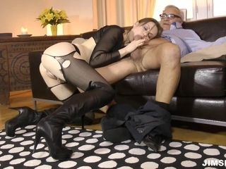 Dame With ripped stockings Gets ravaged And ate