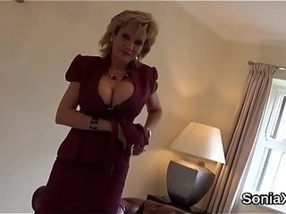 Unfaithful english cougar woman sonia demonstrates her strong globes