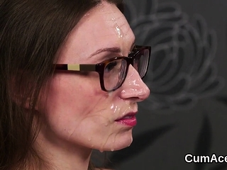 Foxy looker gets jizz flow on her face slurping all the jism19AT