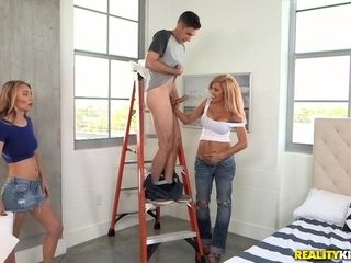 Stud humps his gf and her super-fucking-hot mommy in law Ms. Swayze
