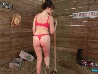 Whorish cleaning damsel Kate Anne gets nude and showcases off her donk and mammories