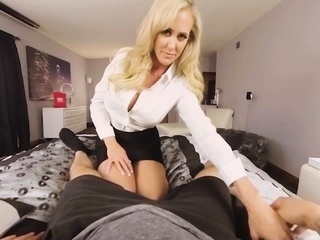 VR fuckers marvelous platinum-blonde wifey milking vulva