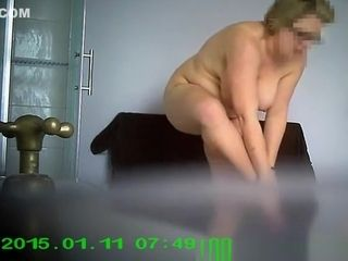 Chubby mature drying and dressing