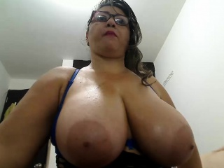Sexy Mature Nurse With Large Boobs Gives Head