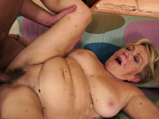 Saggy grandmothers wooly slit pounded after blowage