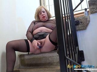 Molten brit Mature pornography stunner Trisha Solo