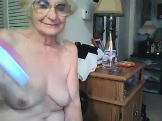amateur granny orgasms on webcam