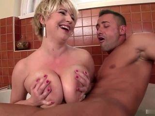 Honcho Dutch Housewife Gives Titjob