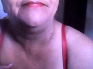 Brazilian granny shows their way boobs