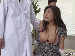 Chinese breastfeeding mother Satomi Katayama gives a oral pleasure to a few virgin men