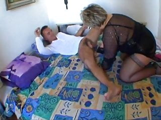 French grown up BBW Carole analfucked