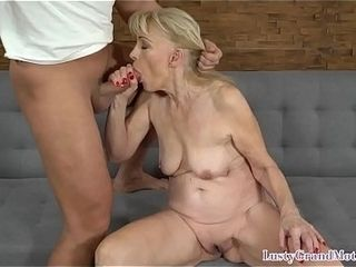 Dicksucking grandmother getting pussyfucked