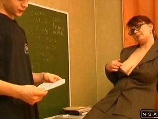 Ultra-kinky professor lures A fellow To shag Him
