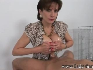 Handsome cougar gives boobjob and bj like a professional